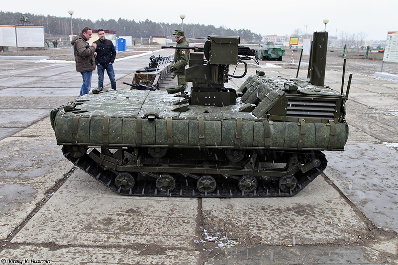 Russian Army Robots - Page 3 VVday2015_52-L