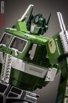[Masterpiece] MP-10B   MP-10A   MP-10R   MP-10SG   MP-10K   MP-711   MP-10G   MP-10 ASL ― Convoy (Optimus Prime/Optimus Primus) - Page 4 3AHgc8NG