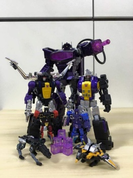 [Fanstoys] Produit Tiers - Jouet FT-12 Grenadier / FT-13 Mercenary / FT-14 Forager - aka Insecticons - Page 3 6yDidtkU