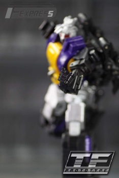 [Fanstoys] Produit Tiers - Jouet FT-12 Grenadier / FT-13 Mercenary / FT-14 Forager - aka Insecticons - Page 2 9foZHUfi