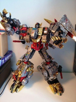 [Toyworld][Zeta Toys] Produit Tiers - Jouet TW-D aka Combiner Dinobots - Page 2 APmiLFFN