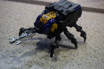 [Fanstoys] Produit Tiers - Jouet FT-12 Grenadier / FT-13 Mercenary / FT-14 Forager - aka Insecticons - Page 2 Gbwh7o88