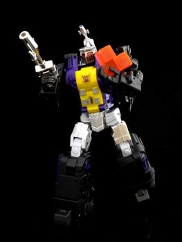 [Fanstoys] Produit Tiers - Jouet FT-12 Grenadier / FT-13 Mercenary / FT-14 Forager - aka Insecticons - Page 2 HqYxoQqd