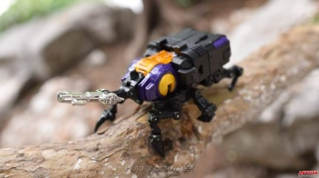 [Fanstoys] Produit Tiers - Jouet FT-12 Grenadier / FT-13 Mercenary / FT-14 Forager - aka Insecticons - Page 2 I2RAe1UT