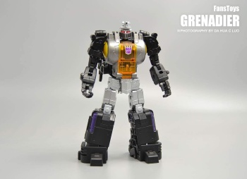 [Fanstoys] Produit Tiers - Jouet FT-12 Grenadier / FT-13 Mercenary / FT-14 Forager - aka Insecticons - Page 2 JKF8gKNY