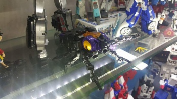 [Fanstoys] Produit Tiers - Jouet FT-12 Grenadier / FT-13 Mercenary / FT-14 Forager - aka Insecticons - Page 2 MLhzDV3L