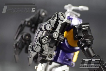 [Fanstoys] Produit Tiers - Jouet FT-12 Grenadier / FT-13 Mercenary / FT-14 Forager - aka Insecticons - Page 2 NgkkjNEs