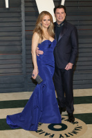 """Kelly Preston """"2015 Vanity Fair Oscar Party hosted by Graydon Carter at Wallis Annenberg Center for the Performing Arts in Beverly Hills"""" (22.02.2015) 46x  Oyg1VwKS"""