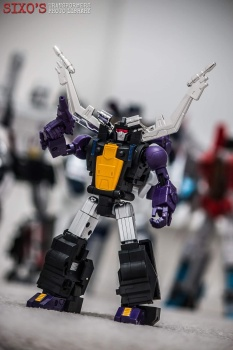 [Fanstoys] Produit Tiers - Jouet FT-12 Grenadier / FT-13 Mercenary / FT-14 Forager - aka Insecticons - Page 3 QonFpooU