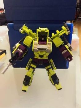 [Generation Toy] Produit Tiers - Jouet GT-01 Gravity Builder - aka Devastator/Dévastateur - Page 3 VXY9ko14