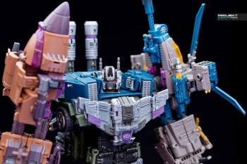 [Warbotron] Produit Tiers - Jouet WB01 aka Bruticus - Page 7 WMHb6BLv