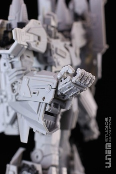 [Mastermind Creations] Produit Tiers - R-17 Carnifex - aka Overlord (TF Masterforce) WuQYG4G9