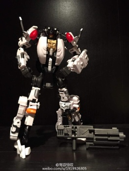 [MakeToys] Produit Tiers - Jouet MTCM-04 Guardia (aka Protectobots - Defensor/Defenso) - Page 2 YTj5rN0e