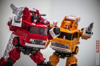 [Maketoys] Produit Tiers - MTRM-03 Hellfire (aka Inferno) et MTRM-05 Wrestle (aka Grapple/Grappin) - Page 3 CDeZ5Y9f