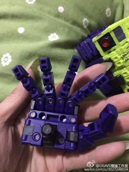 [Toyworld] Produit Tiers - Jouet TW-C Constructor aka Devastator/Dévastateur (Version vert G1 et jaune G2) - Page 3 Ci81ScAZ