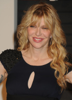 """Courtney Love """"2015 Vanity Fair Oscar Party hosted by Graydon Carter at Wallis Annenberg Center for the Performing Arts in Beverly Hills"""" (22.02.2015) 49x CzZDtGG8"""