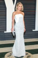 """Kelly Ripa """"2015 Vanity Fair Oscar Party hosted by Graydon Carter at Wallis Annenberg Center for the Performing Arts in Beverly Hills"""" (22.02.2015) 48x  FFYTLQoA"""