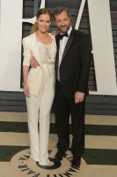 """Leslie Mann """"2015 Vanity Fair Oscar Party hosted by Graydon Carter at Wallis Annenberg Center for the Performing Arts in Beverly Hills"""" (22.02.2015) 126x  HFcA5qpU"""
