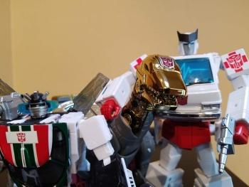 [Fanstoys] Produit Tiers - Dinobots - FT-04 Scoria, FT-05 Soar, FT-06 Sever, FT-07 Stomp, FT-08 Grinder - Page 9 KlnJR64K