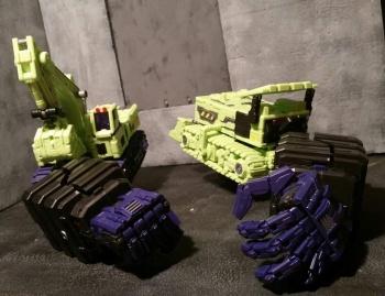 [Toyworld] Produit Tiers - Jouet TW-C Constructor aka Devastator/Dévastateur (Version vert G1 et jaune G2) - Page 4 MiDfqMBy