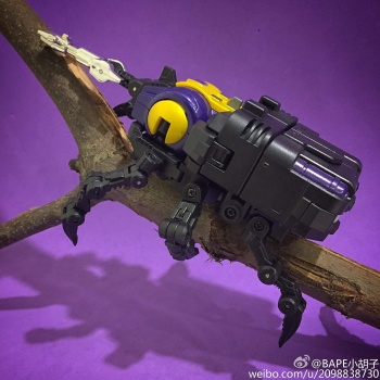 [Fanstoys] Produit Tiers - Jouet FT-12 Grenadier / FT-13 Mercenary / FT-14 Forager - aka Insecticons - Page 2 NbOwwgUm