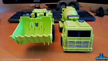 [Toyworld] Produit Tiers - Jouet TW-C Constructor aka Devastator/Dévastateur (Version vert G1 et jaune G2) - Page 6 PPMm4Dda