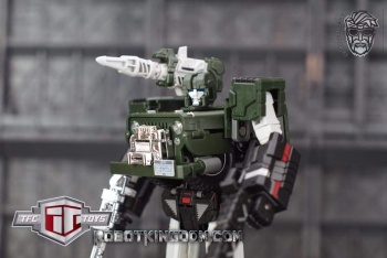 [TFC Toys] Produit Tiers - Jouets Old Soldier Series OS-02 Detective - aka Hound/Dépisteur ZOMcokRe