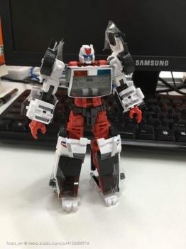[MakeToys] Produit Tiers - Jouet MTCM-04 Guardia (aka Protectobots - Defensor/Defenso) - Page 2 0peyM4Xc