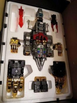 [Toyworld][Zeta Toys] Produit Tiers - Jouet TW-D aka Combiner Dinobots 2yTSmb1H