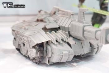 [Mastermind Creations] Produit Tiers - R-17 Carnifex - aka Overlord (TF Masterforce) BFVrBIcK