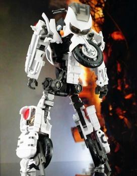 [MakeToys] Produit Tiers - Jouet MTCM-04 Guardia (aka Protectobots - Defensor/Defenso) - Page 2 Gud12xKi