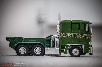 [Masterpiece] MP-10B   MP-10A   MP-10R   MP-10SG   MP-10K   MP-711   MP-10G   MP-10 ASL ― Convoy (Optimus Prime/Optimus Primus) - Page 4 HeVA6fH1