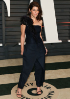"""Marisa Tomei """"2015 Vanity Fair Oscar Party hosted by Graydon Carter at Wallis Annenberg Center for the Performing Arts in Beverly Hills"""" (22.02.2015) 21x  KetWmFNA"""