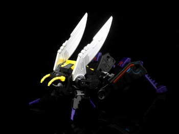 [BadCube] Produit Tiers - Jouet OTS-05 Claymore / OTS-06 Hypno / OTS-07 Kickbutt - aka Insecticons - Page 2 LF9L4nY2
