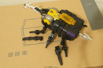 [Fanstoys] Produit Tiers - Jouet FT-12 Grenadier / FT-13 Mercenary / FT-14 Forager - aka Insecticons - Page 2 Ldr733IY