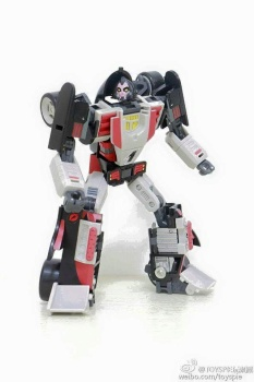 [DX9 Toys] Produit Tiers - UT-D01 Salmoore (aka Cykill des GoBots) + 003C Cocomone (aka Crasher/Démo des GoBots) P2j8rHGW