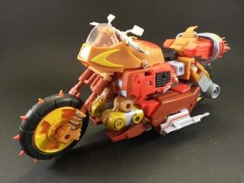 [KFC Toys] Produit Tiers - Jouets Crash Hog (aka Wreck-gar/Ferraille), Dumpyard (aka Junkyard/Décharge) et autres Junkions/Ferrailleurs QwFIqFKn