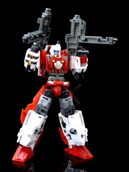 [MakeToys] Produit Tiers - Jouet MTCM-04 Guardia (aka Protectobots - Defensor/Defenso) - Page 3 T5YUSQPt