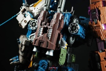 [Warbotron] Produit Tiers - Jouet WB01 aka Bruticus - Page 5 Znk3ZKRu
