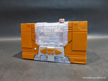 [Masterpiece Hasbro] YEAR OF THE GOAT SOUNDWAVE - Sortie Mars 2014 ADDQQsiB