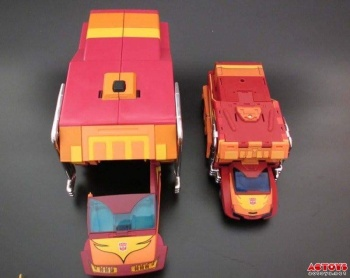 [DX9 Toys] Produit Tiers - Jouet D-06 Carry aka Rodimus et D-06T Terror aka Black Rodimus - Page 2 CBPe89xz