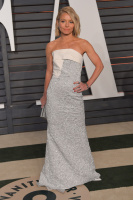 """Kelly Ripa """"2015 Vanity Fair Oscar Party hosted by Graydon Carter at Wallis Annenberg Center for the Performing Arts in Beverly Hills"""" (22.02.2015) 48x  GKbMYS3d"""