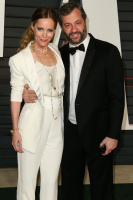 """Leslie Mann """"2015 Vanity Fair Oscar Party hosted by Graydon Carter at Wallis Annenberg Center for the Performing Arts in Beverly Hills"""" (22.02.2015) 126x  GLe4jZsb"""