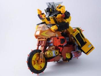 [KFC Toys] Produit Tiers - Jouets Crash Hog (aka Wreck-gar/Ferraille), Dumpyard (aka Junkyard/Décharge) et autres Junkions/Ferrailleurs HlCg51S1