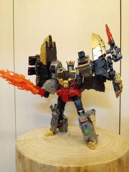 [Toyworld][Zeta Toys] Produit Tiers - Jouet TW-D aka Combiner Dinobots HlKINL78