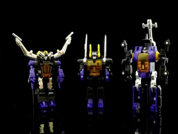 [Fanstoys] Produit Tiers - Jouet FT-12 Grenadier / FT-13 Mercenary / FT-14 Forager - aka Insecticons - Page 2 OBw0TCsl