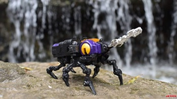 [Fanstoys] Produit Tiers - Jouet FT-12 Grenadier / FT-13 Mercenary / FT-14 Forager - aka Insecticons - Page 2 QPscW18b