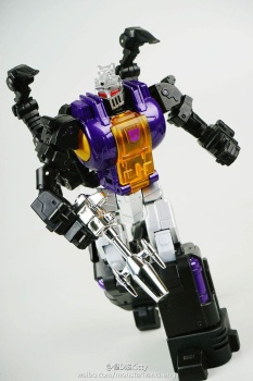 [Fanstoys] Produit Tiers - Jouet FT-12 Grenadier / FT-13 Mercenary / FT-14 Forager - aka Insecticons - Page 2 SX01lmNh
