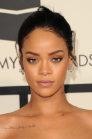 Rihanna  57th Annual GRAMMY Awards in LA 08.02.2015 (x79) updatet Uam1rPvA