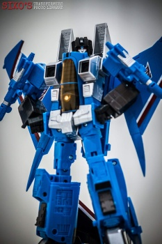 [Masterpiece] MP-11T Thundercracker/Coup de tonnerre (Takara Tomy et Hasbro) - Page 2 WlnjNyUT